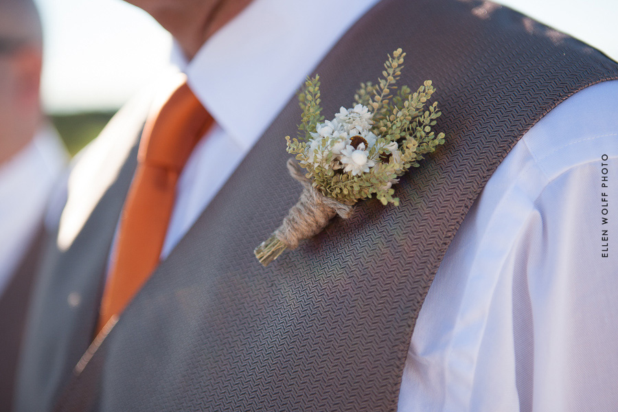rustic floral boutonniere