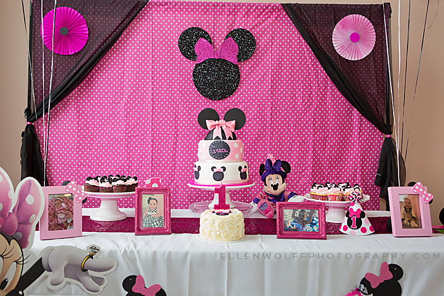 minnie mouse styled dessert table